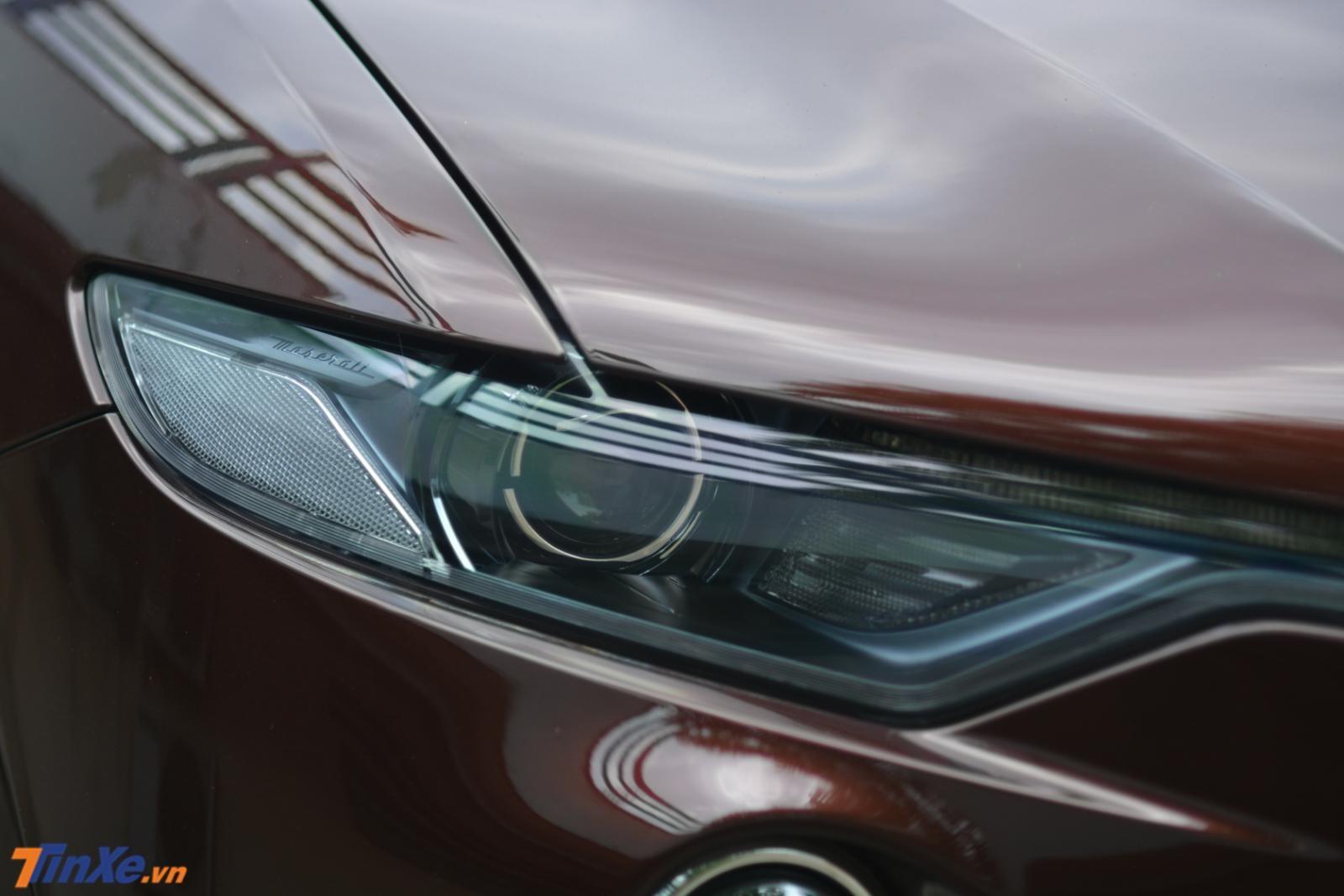 Đèn pha của Maserati Levante thiết kế sắc sảo