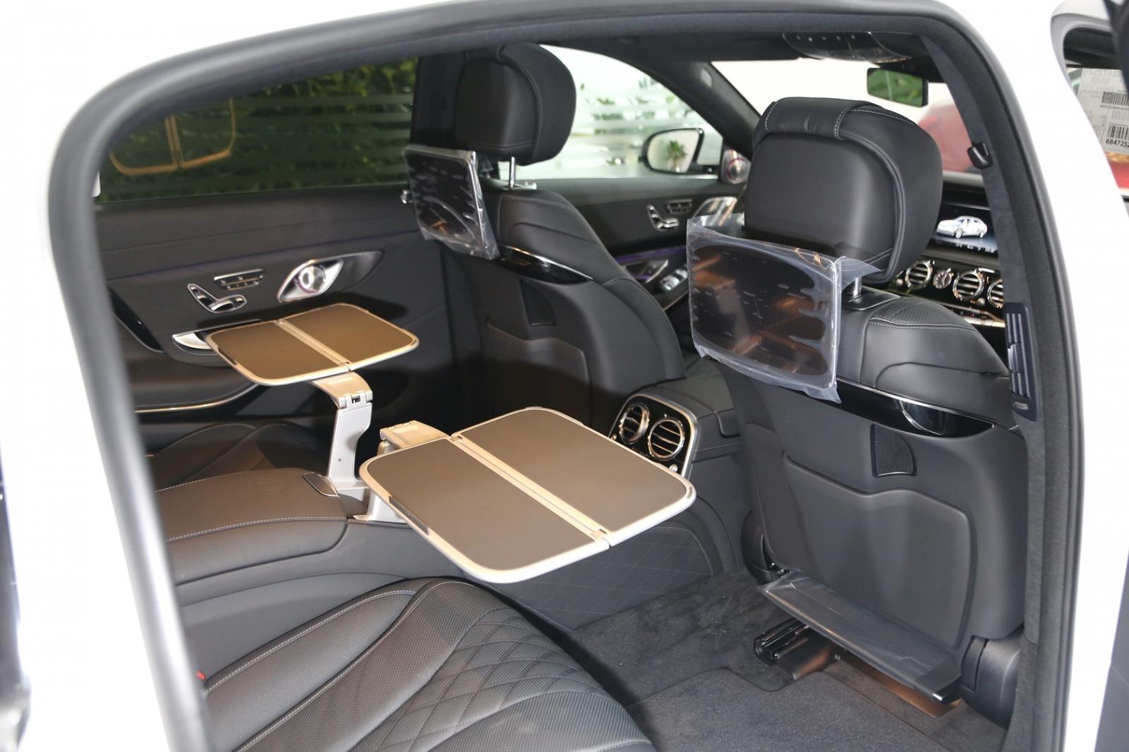 Hàng ghế thương gia của Mercedes-Maybach S450 4 Matic 2019 đầu tiên về Việt Nam