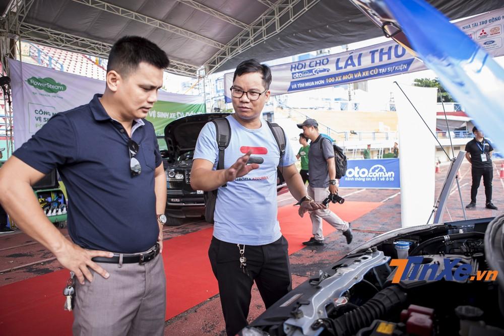 Đây cũng là dịp để các chủ xe có thể giao lưu với nhau về kinh nghiệm, kiến thức chăm sóc xe.