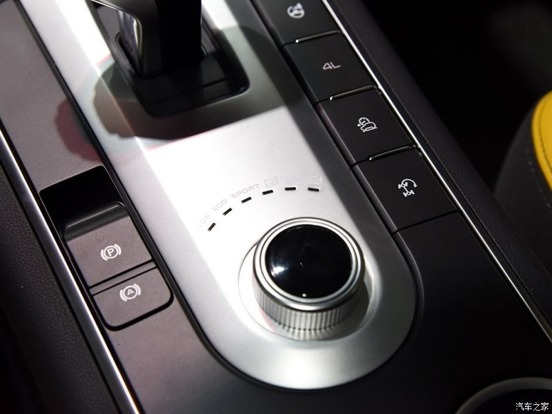 Phiên bản off-road có đến 6 chế độ lái