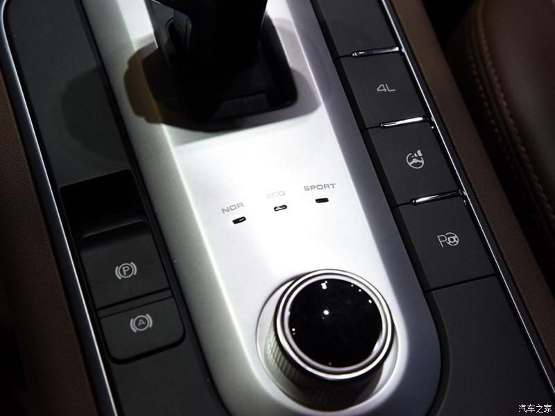Phiên bản chở khách của mẫu xe bán tải Great Wall có 3 chế độ lái