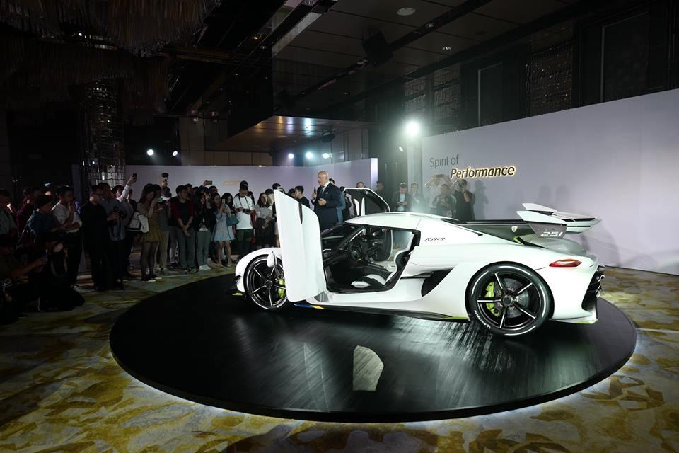 Sự có mặt lần đầu tiên của Koenigsegg Jesko tại châu Á đã cho thấy nhà giàu Hồng Kông rất quan trọng trong việc xâm nhập thị trường ở Trung Quốc và 2 khu vực hành chính đặc biệt của Trung Quốc