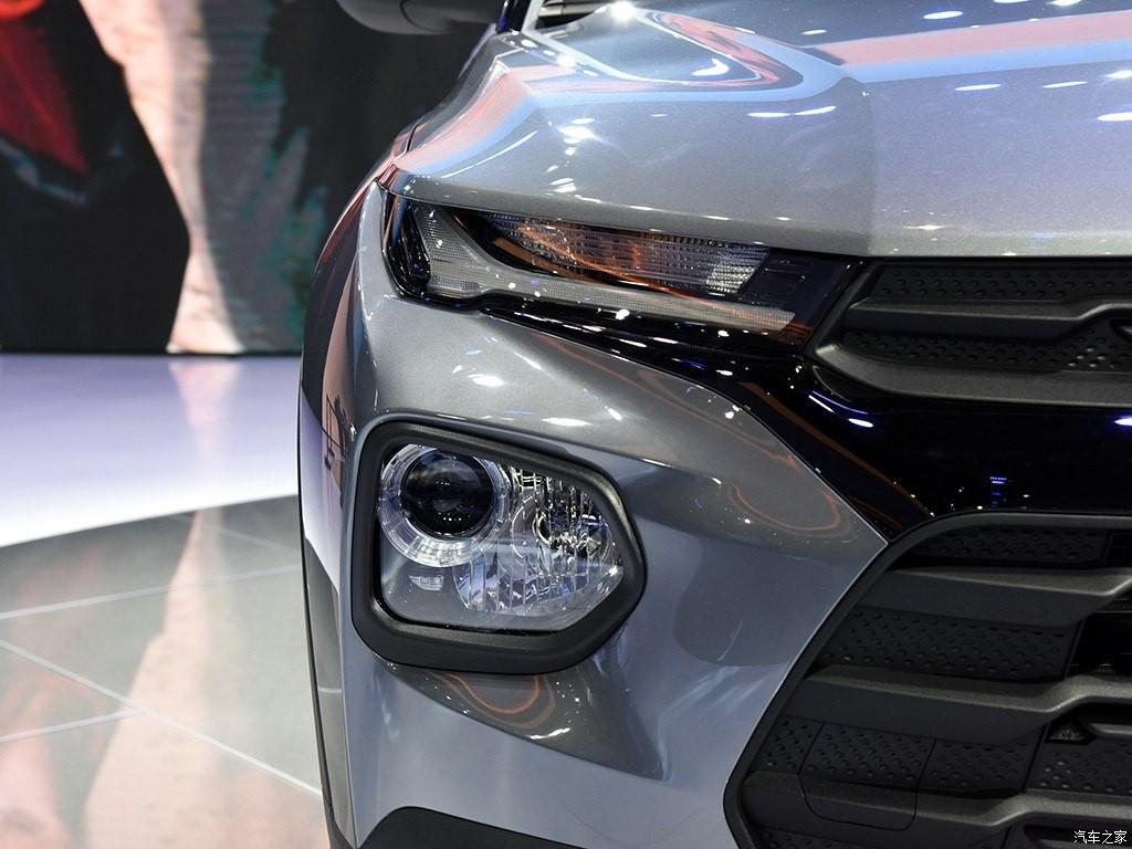 Chevrolet Trailblazer 2019 có cách bố trí hệ thống đèn trước tương tự một số mẫu xe Hyundai như Kona, Santa Fe hay Venue