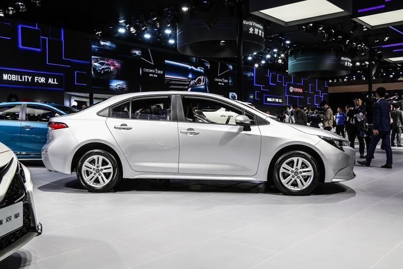 Toyota Levin 2019 có 3 loại la-zăng khác nhau