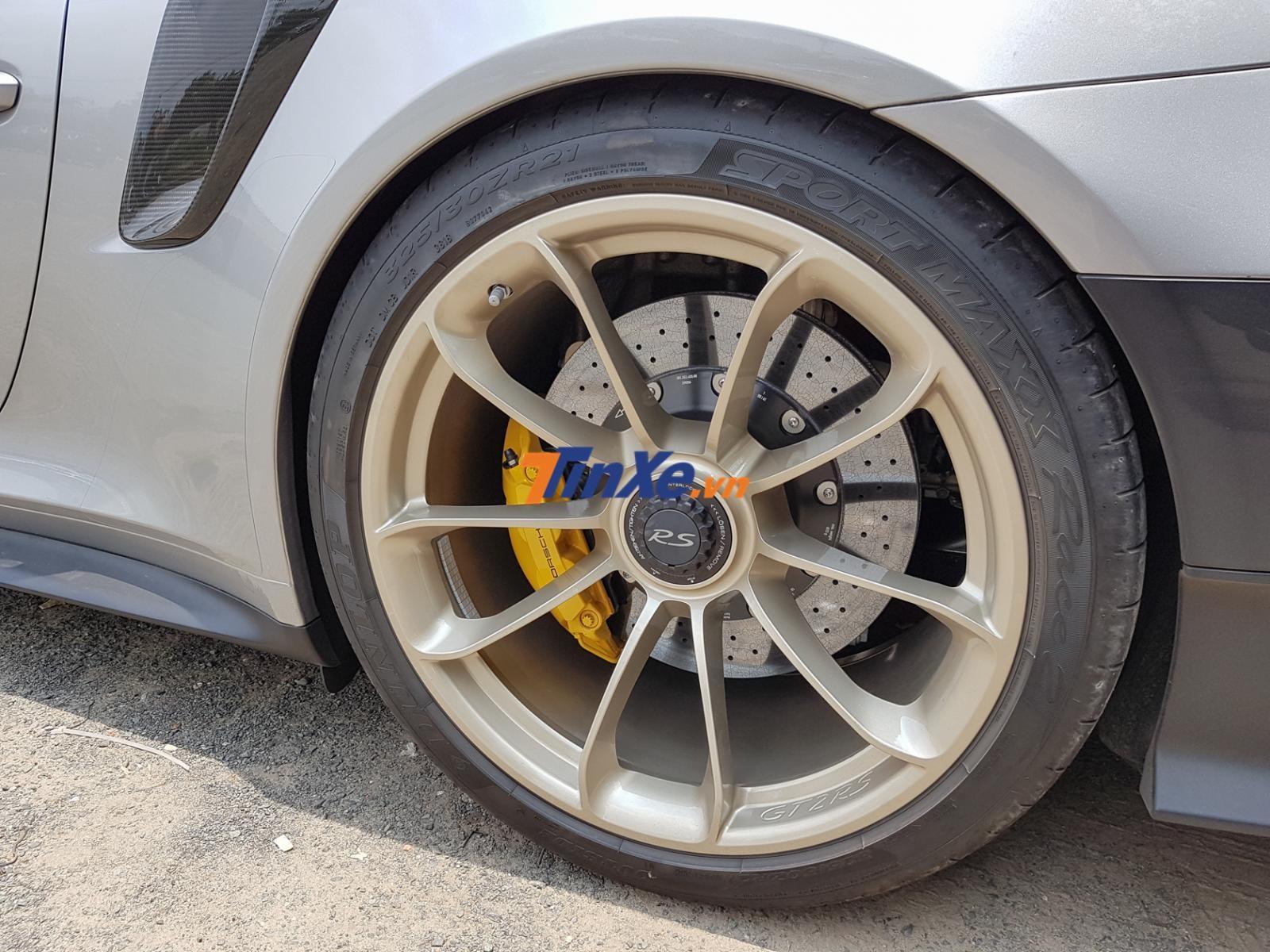 Vành ma-giê của Porsche 911 GT2 RS Weisach
