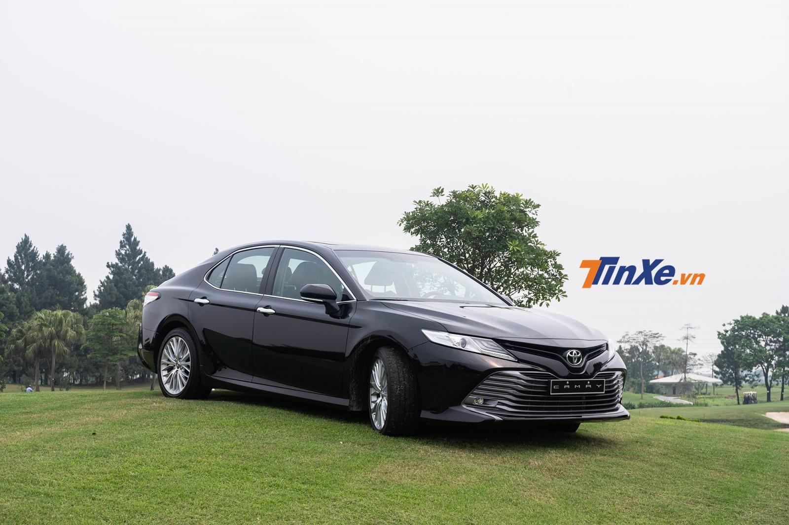 Bản cao cấp nhất của Toyota Camry 2019 được phân phối với giá bán là 1,235 tỷ đồng