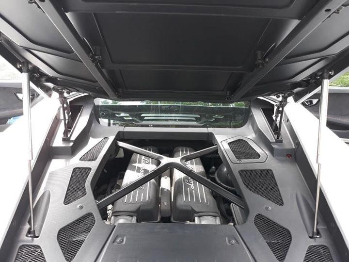 Siêu xe Lamborghini Huracan LP610-4 sử dụng động cơ V10