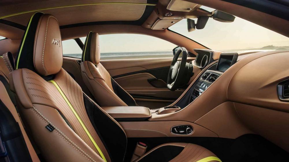Nội thất siêu xe Aston Martin DB11 AMR