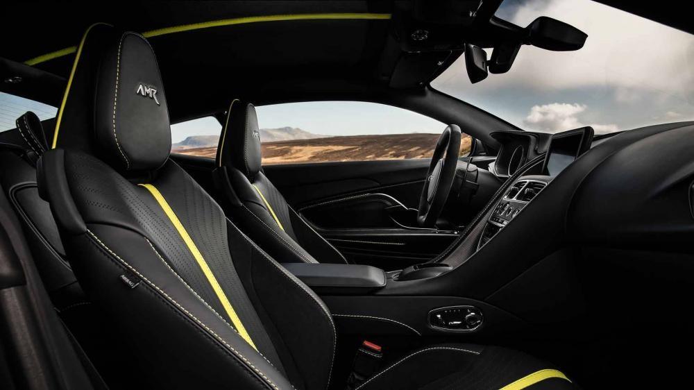 Các khách hàng có thể cá nhân hoá nội thất xe Aston Martin DB11 AMR