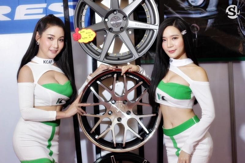Đã mắt ngắm nhìn vẻ gợi cảm của những người mẫu Thái Lan tại triển lãm - 17