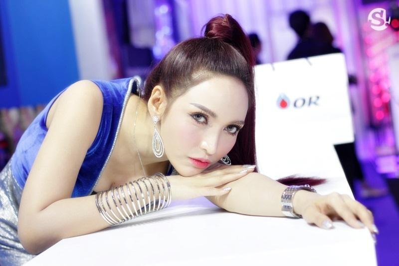 Đã mắt ngắm nhìn vẻ gợi cảm của những người mẫu Thái Lan tại triển lãm - 3