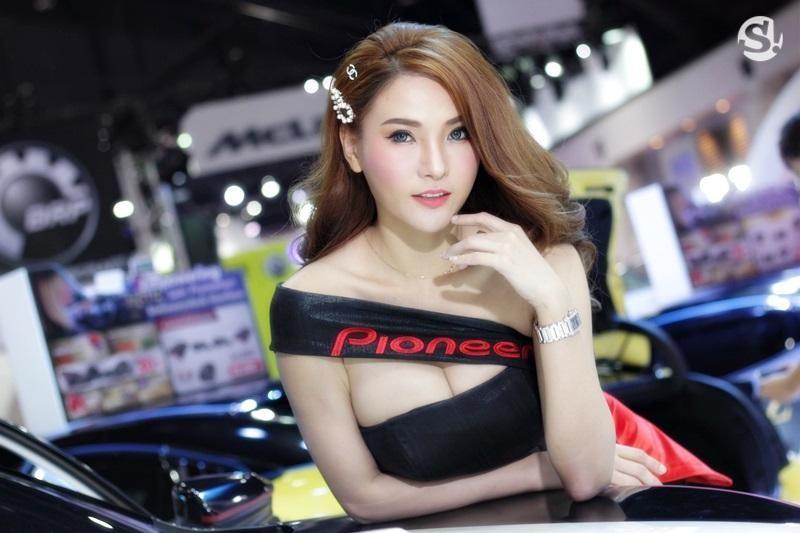 Đã mắt ngắm nhìn vẻ gợi cảm của những người mẫu Thái Lan tại triển lãm - 12