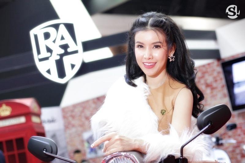 Đã mắt ngắm nhìn vẻ gợi cảm của những người mẫu Thái Lan tại triển lãm - 11