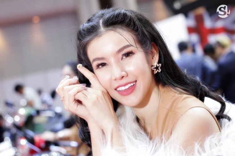 Đã mắt ngắm nhìn vẻ gợi cảm của những người mẫu Thái Lan tại triển lãm - 13