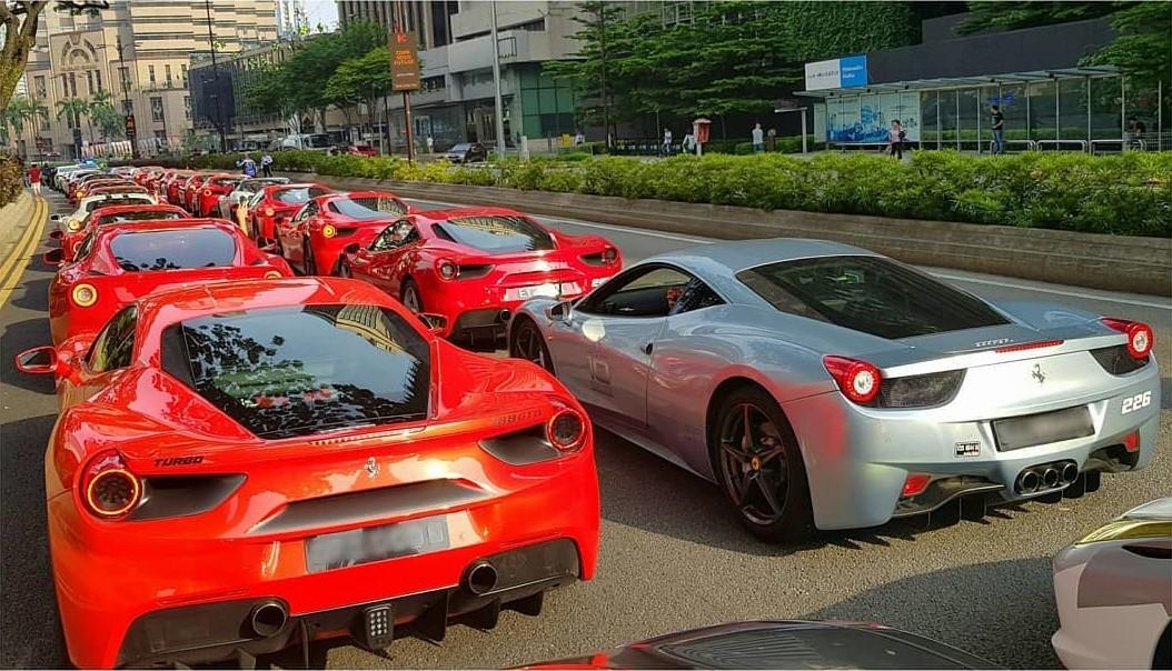 Tắc đường siêu xe tại Malaysia