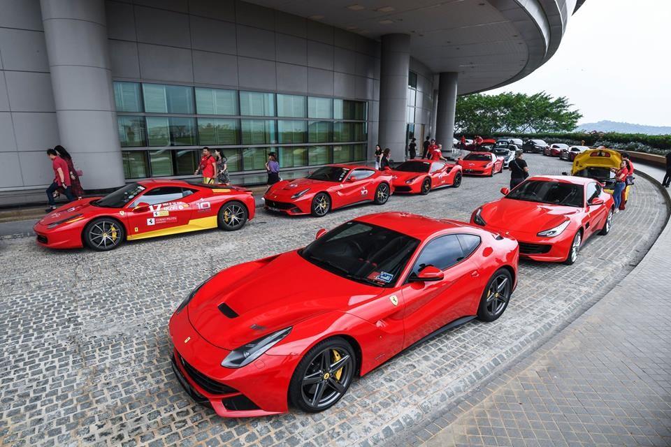 Các thành viên trong đoàn Ferrari Singapore khi đến Malaysia tham dự vào buổi ra mắt dòng xe Ferrari F8 Tributo