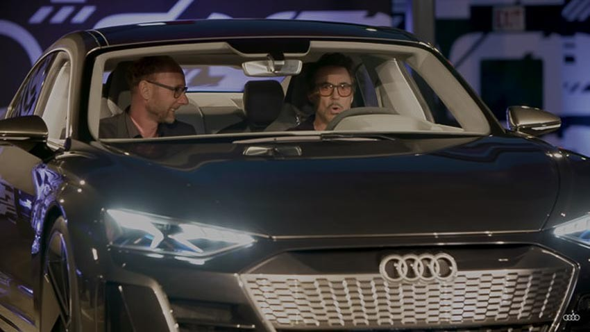 Robert Downey Jr. bị bắt gặp lái thử Audi E-Tron GT