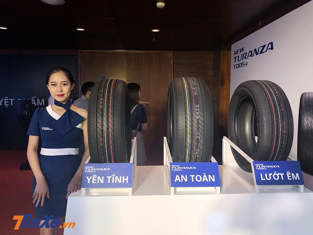 Lốp xe Bridgestone Turanza T005A được lựa chọn để sử dụng cho mẫu xe Toyota Camry 2019 vừa được ra mắt.