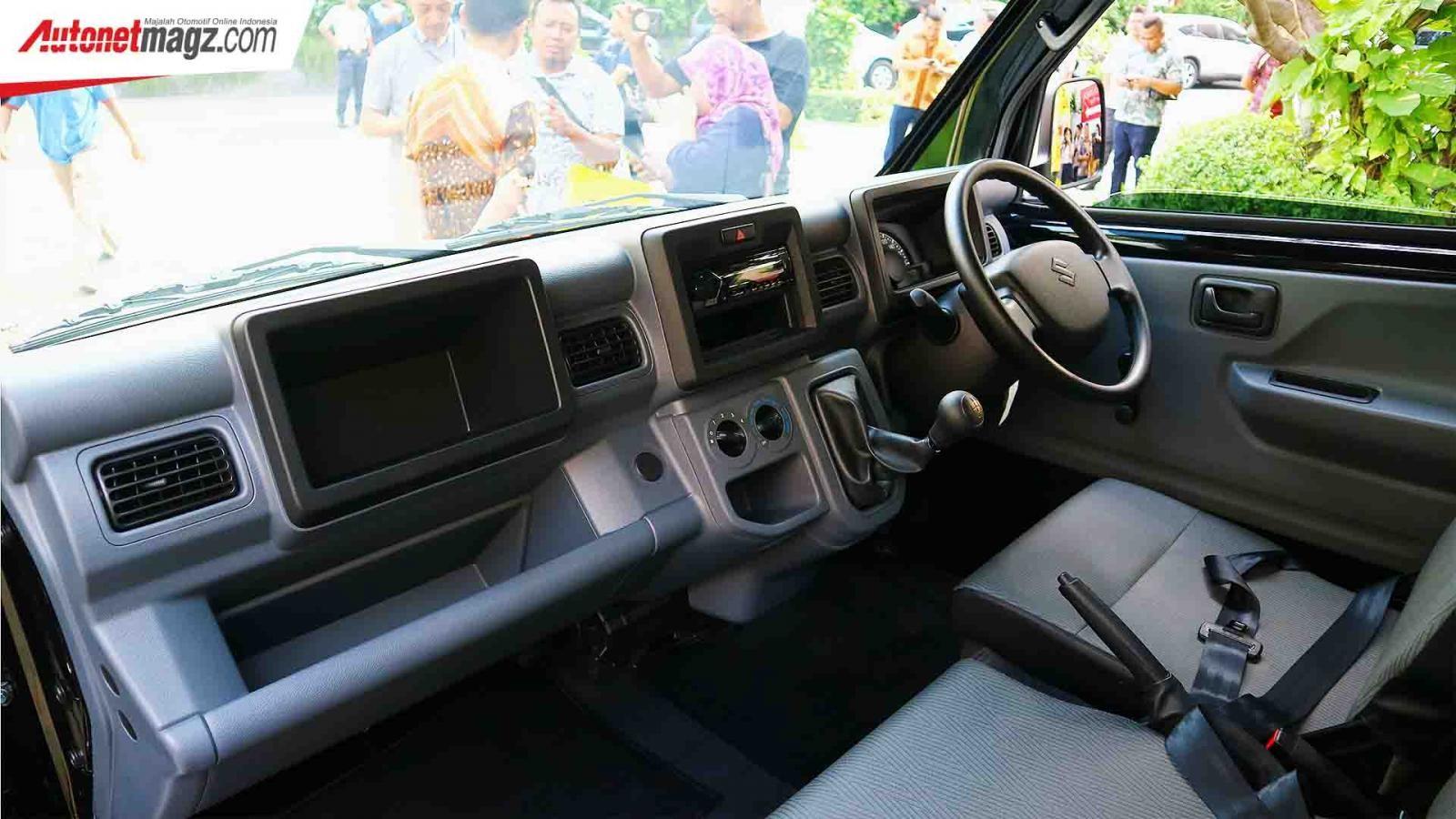 Nội thất bên trong Suzuki Carry 2019