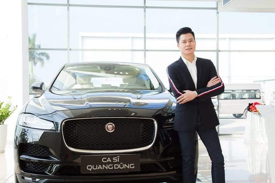 Quang Dũng chụp ảnh cùng chiếc SUV hạng sang mới tậu
