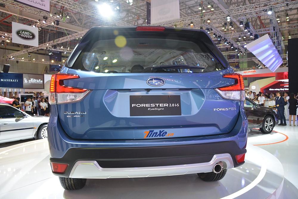 Thiết kế đằng sau của Subaru Forester 2019
