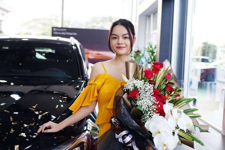 Mercedes-Benz GLC 250 4Matic mà ca sĩ Phạm Quỳnh Anh mới tậu có giá bán chính hãng 1,989 tỷ đồng