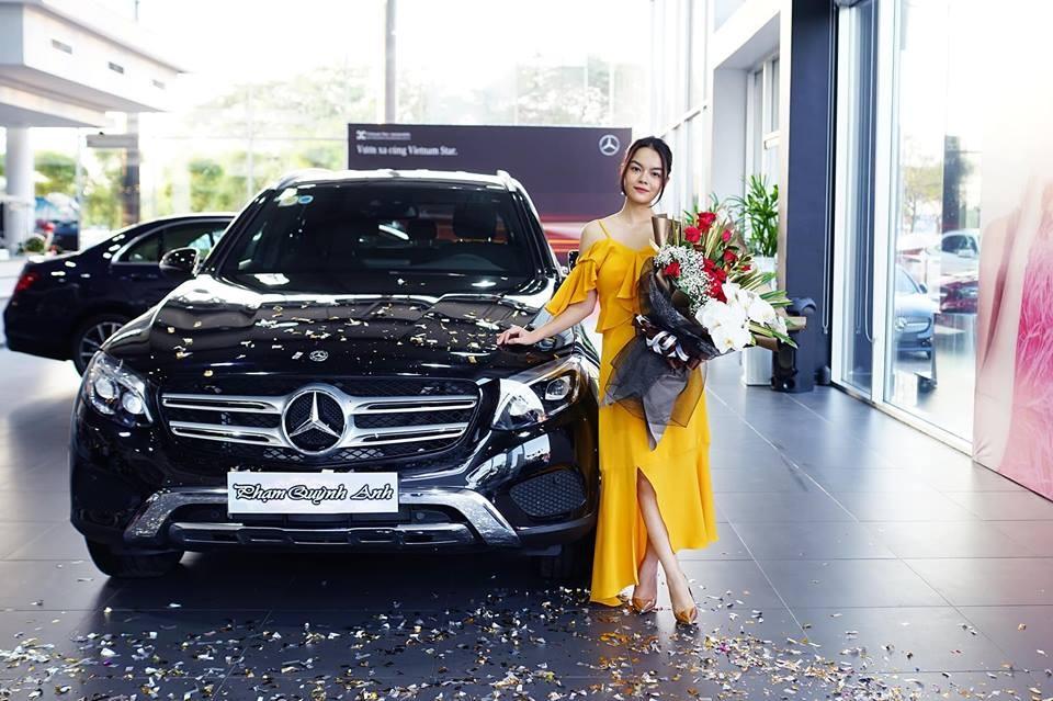 Sau nửa năm tái xuất showbiz, ca sĩ Phạm Quỳnh Anh tậu Mercedes-Benz GLC 250 4Matic