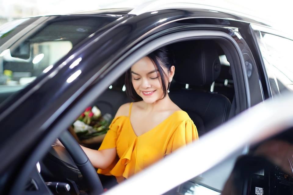Mercedes-Benz GLC 250 4Matic mà nữ ca sĩ Phạm Quỳnh Anh mới chọn mua thuộc bản nâng cấp