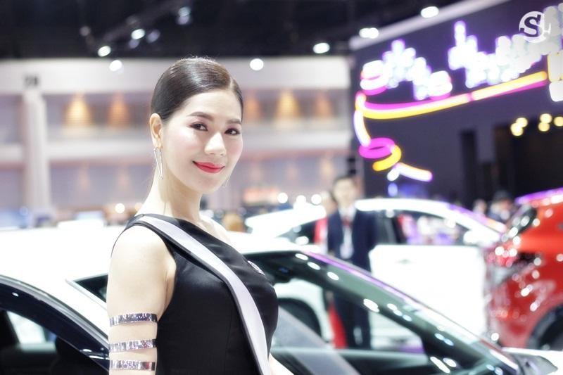Các người mẫu xinh thế này là đặc trưng của triển lãm xe Thái Lan - 10