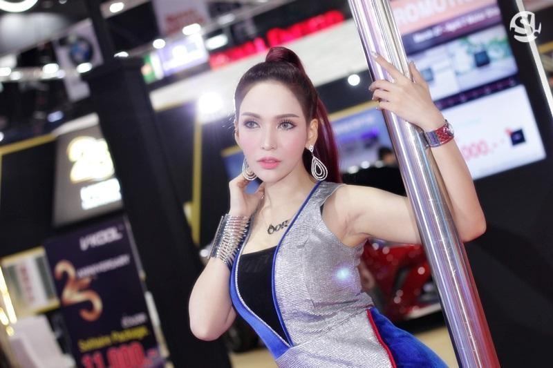 Các người mẫu xinh thế này là đặc trưng của triển lãm xe Thái Lan - 6