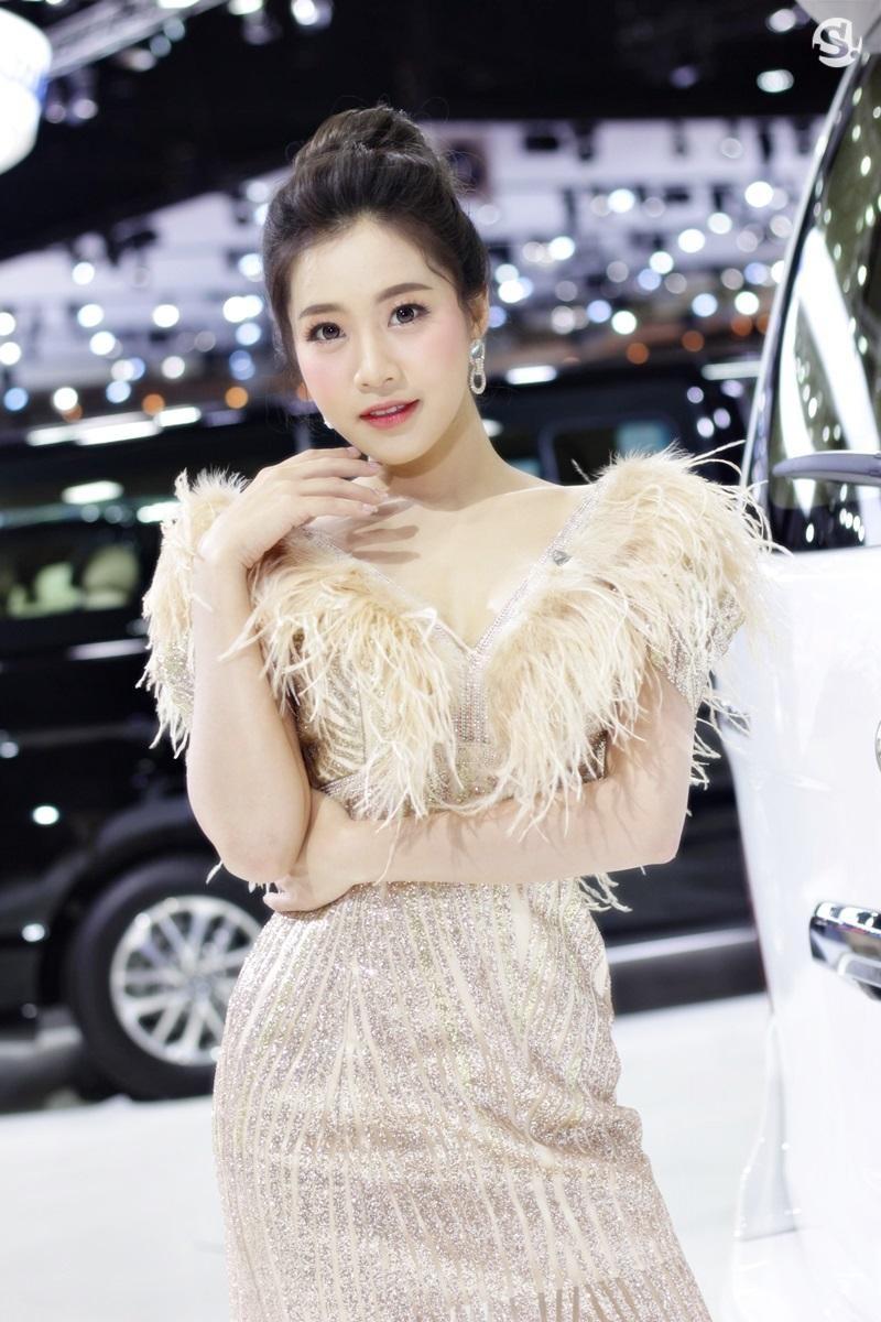 Các người mẫu xinh thế này là đặc trưng của triển lãm xe Thái Lan - 28