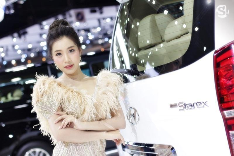 Các người mẫu xinh thế này là đặc trưng của triển lãm xe Thái Lan - 18