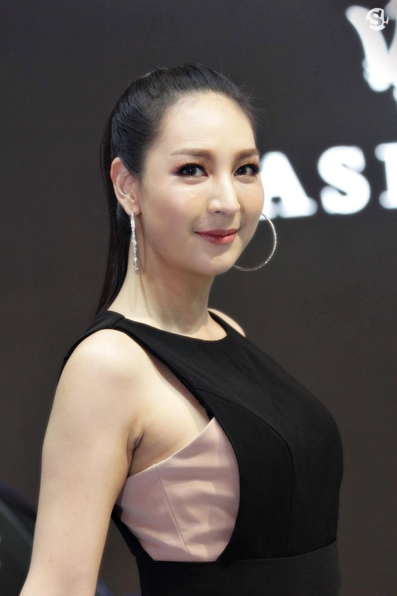 Các người mẫu xinh thế này là đặc trưng của triển lãm xe Thái Lan - 8