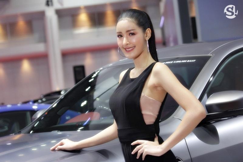 Các người mẫu xinh thế này là đặc trưng của triển lãm xe Thái Lan - 2