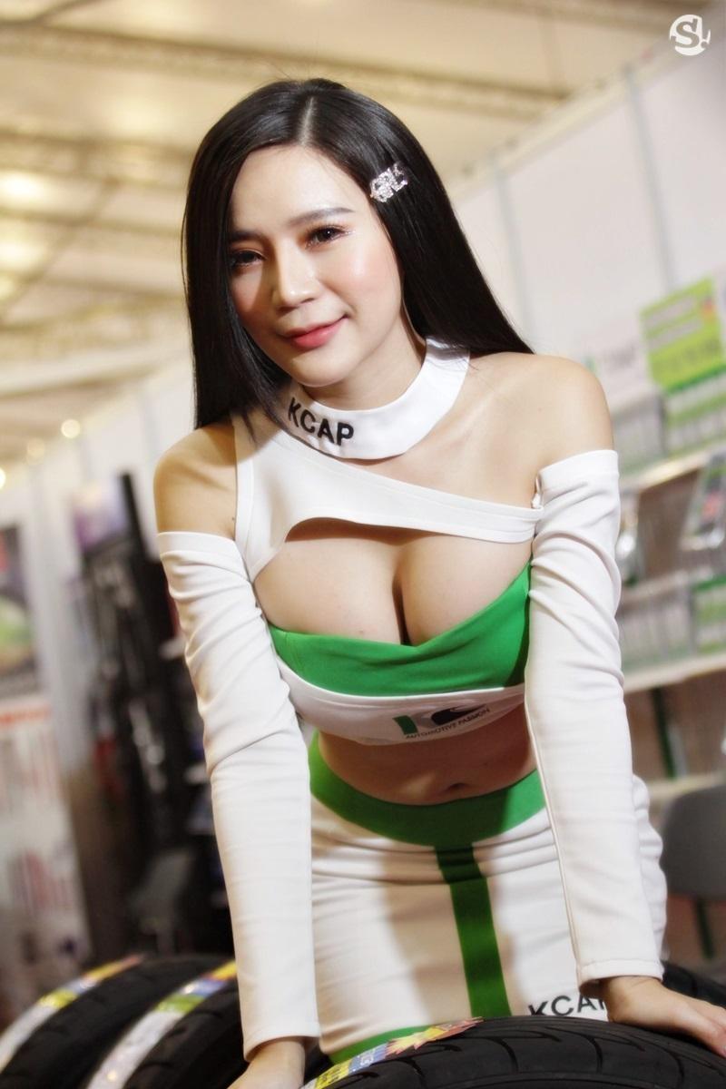Các người mẫu xinh thế này là đặc trưng của triển lãm xe Thái Lan - 23