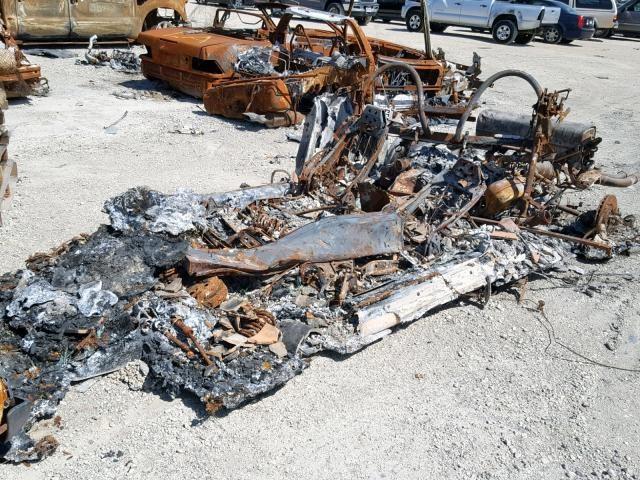 Diện mạo thảm hại của chiếc Ferrari F355 Spider 1999 bị cháy