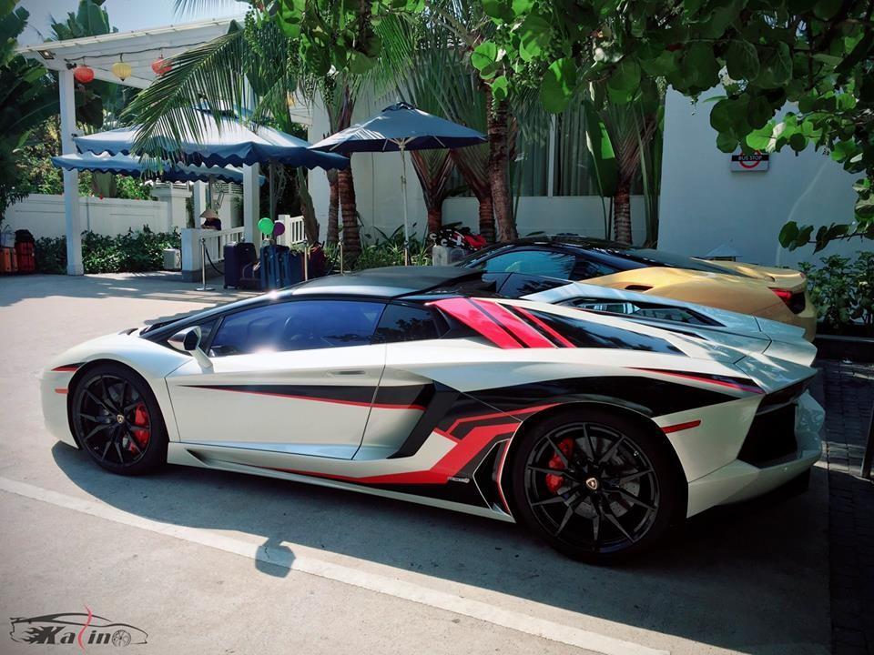 Ngoại thất chiếc siêu xe mui trần Lamborghini Aventador LP700-4 Roadster này được trang điểm lại