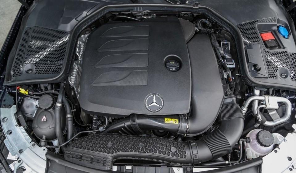 Động cơ Mild-Hybrid trên Mercedes-Benz C200 với dung tích chỉ 1.5L.