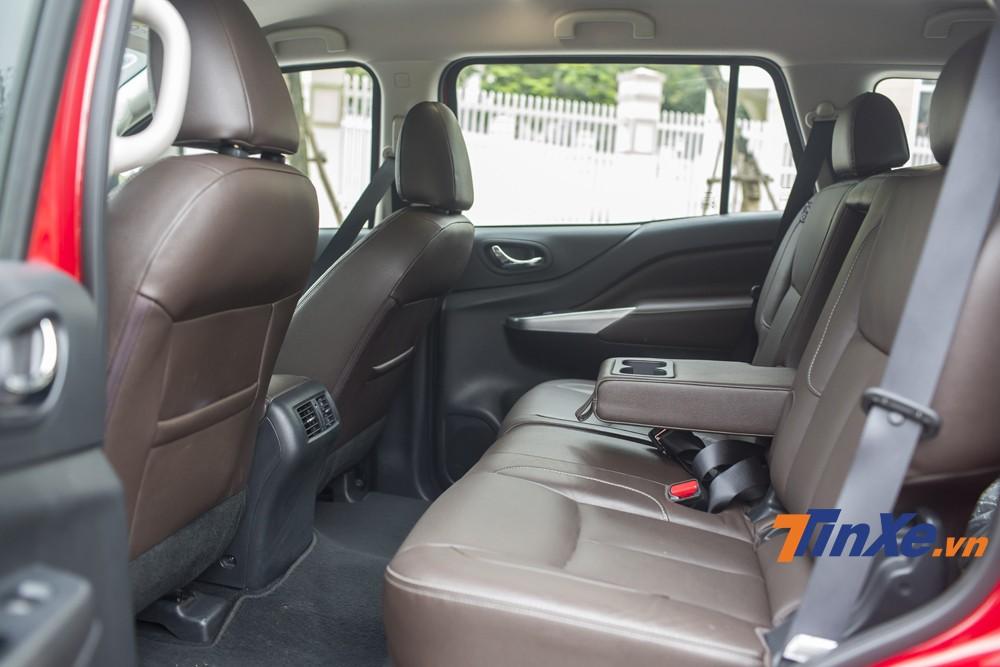 Hàng ghế thứ hai thực sự rộng rãi của Nissan Terra.