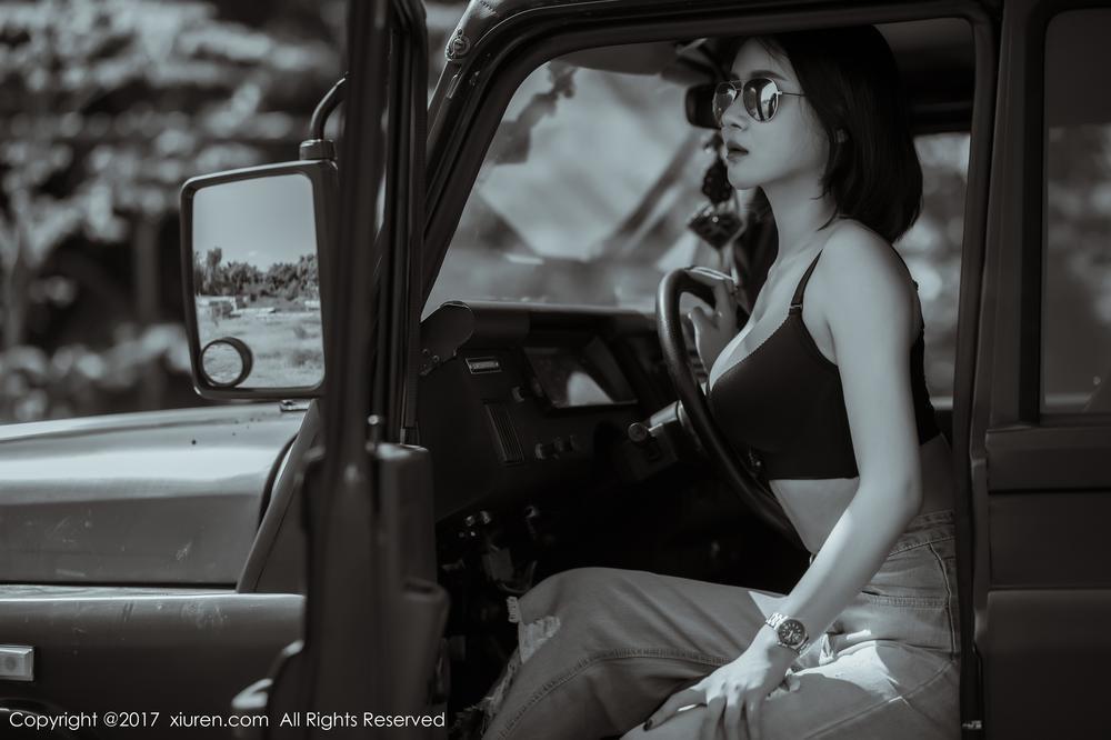 """Mỹ nhân khoe thân thể khỏe khoắn, vòng 1 căng đầy cùng xe """"Jeep Trung Quốc"""" - 2"""