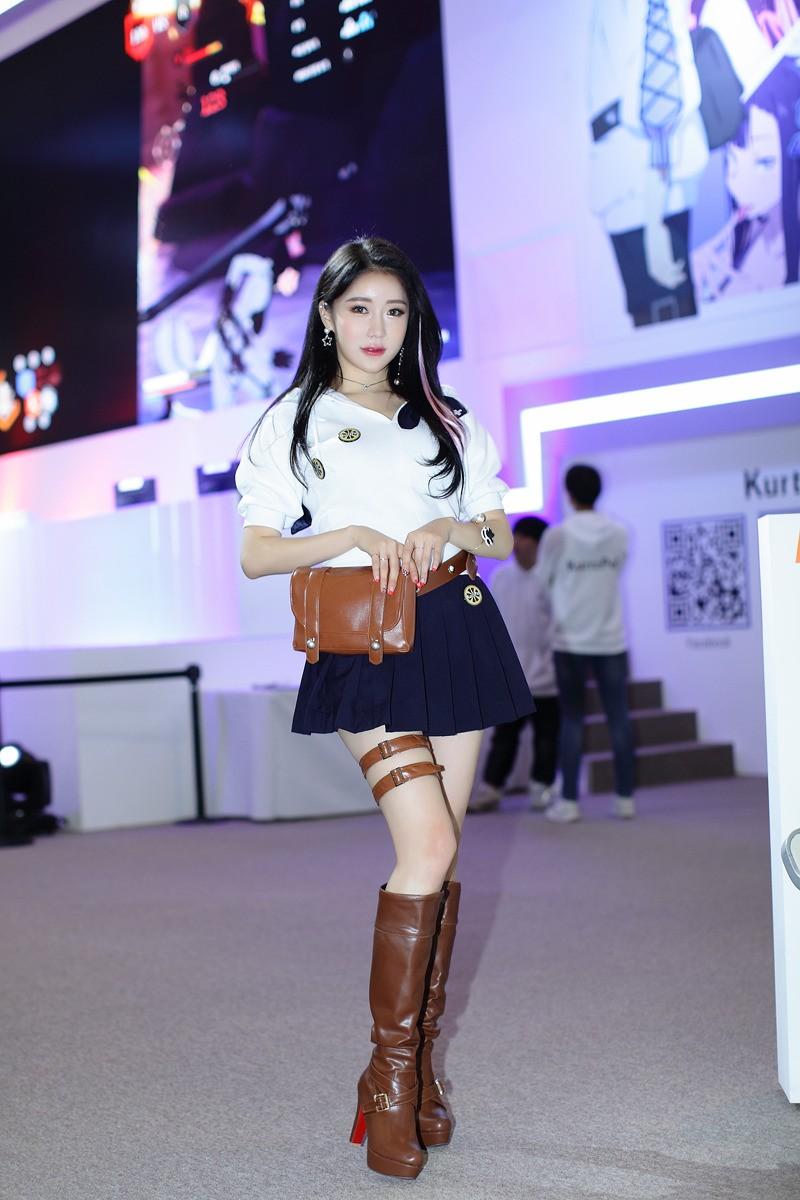 Ngợp mắt trước vẻ gợi cảm từ đầu xuống chân của các mỹ nữ Hàn Quốc - 14