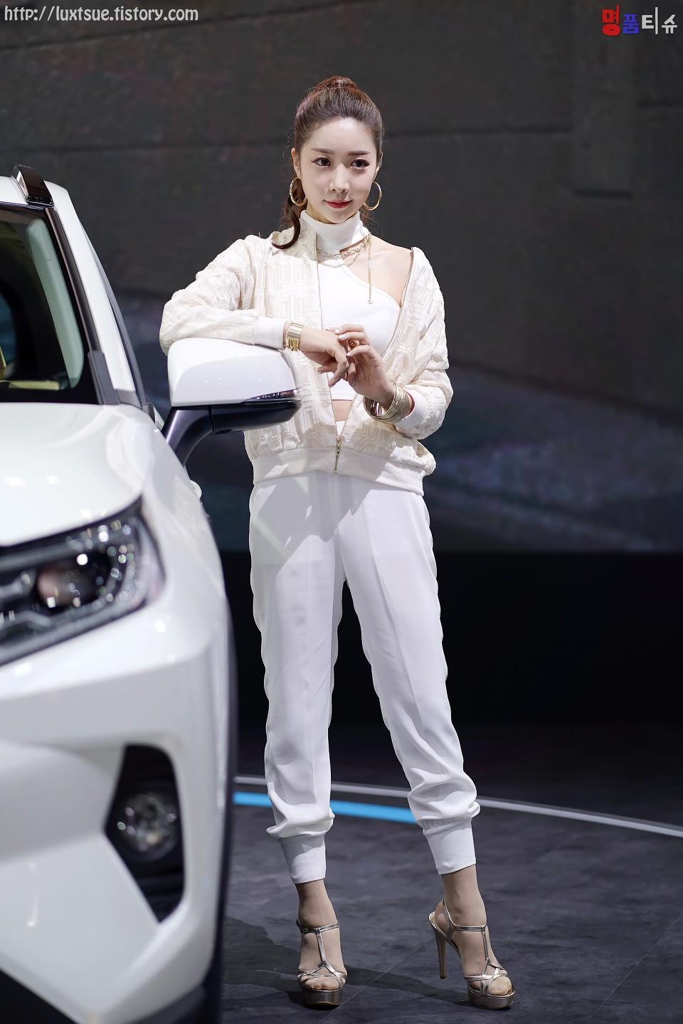 Ngợp mắt trước vẻ gợi cảm từ đầu xuống chân của các mỹ nữ Hàn Quốc - 20