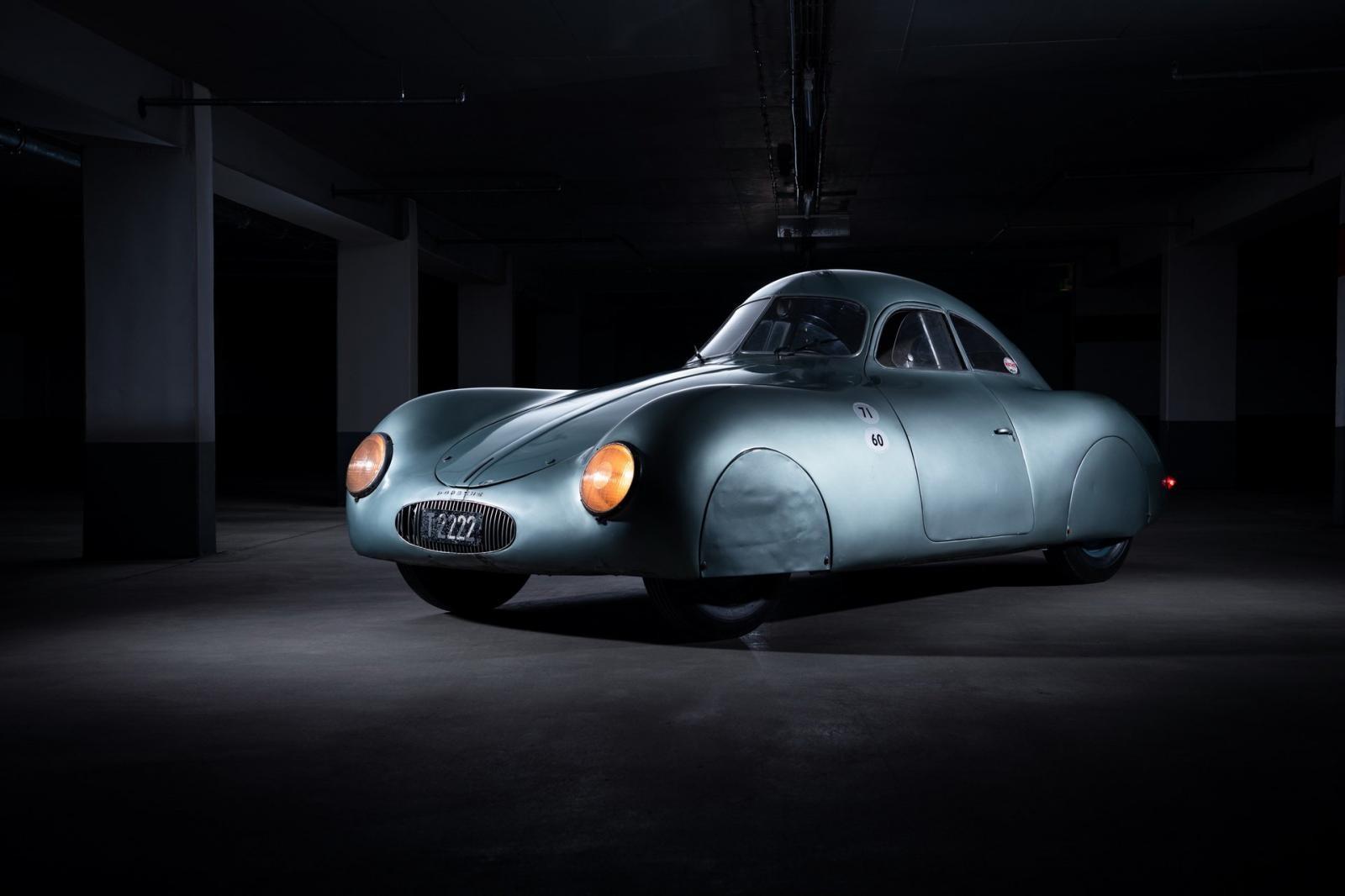 Phía trước của Porsche Type 64 1939