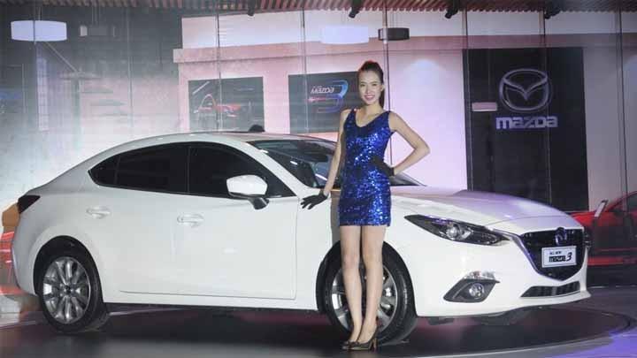 Mazda3 màu trắng