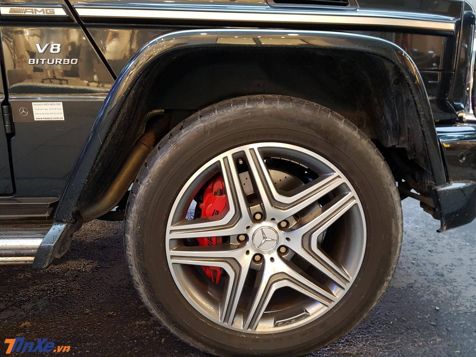 Mercedes-Benz G63 AMG sử dụng mâm 5 chấu kép
