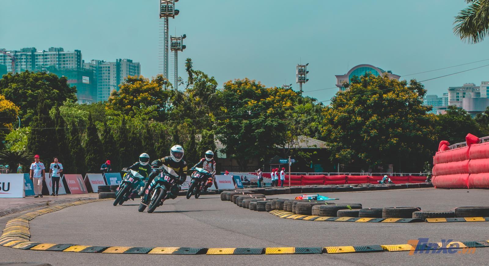 Chùm ảnh: Giải đua VMRC 2019 lần đầu tiên được tổ chức tại Hà Nội - 1
