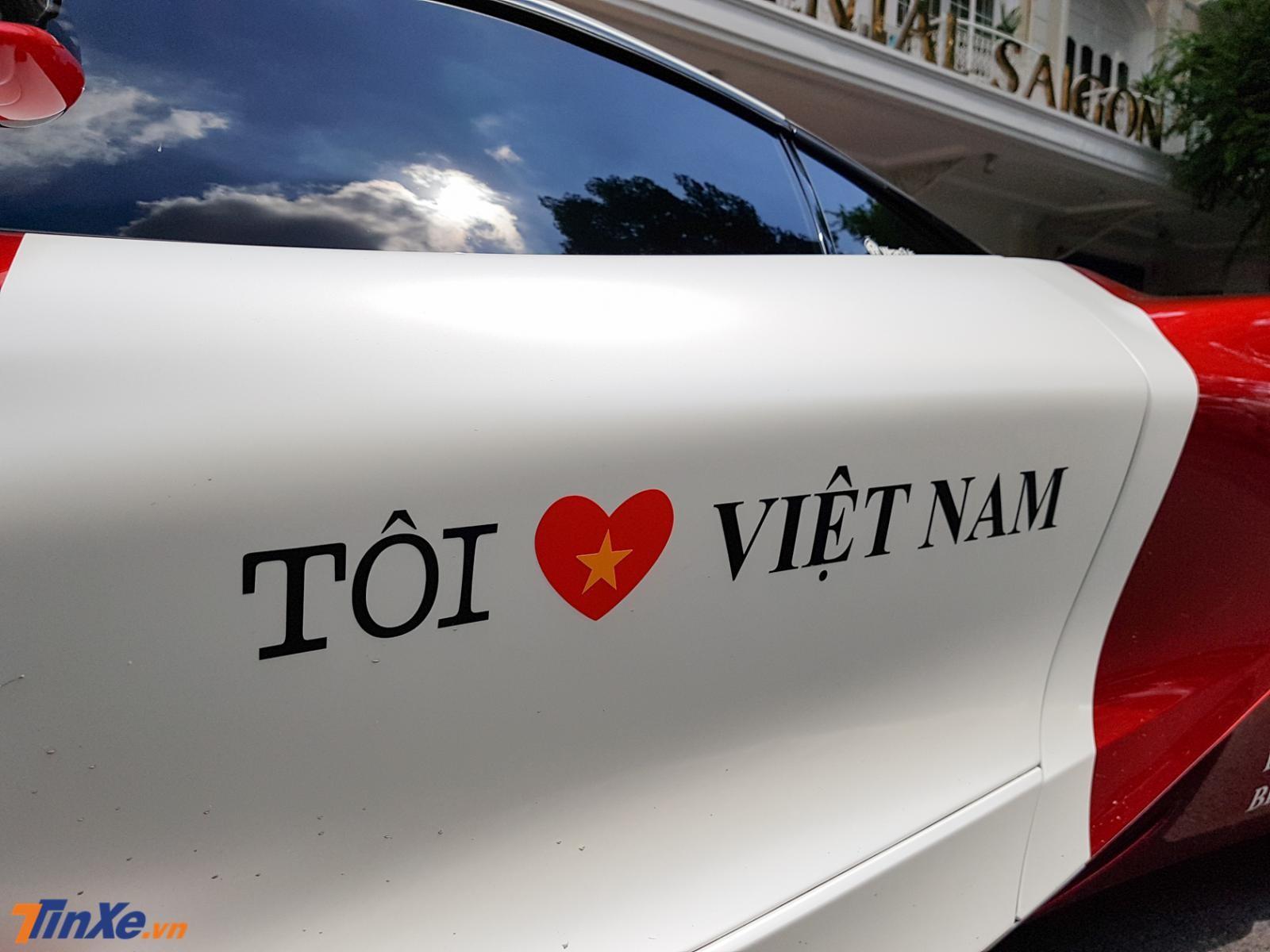 Tất nhiên còn có thông điệp đầy ý nghĩa Tôi Yêu Việt Nam