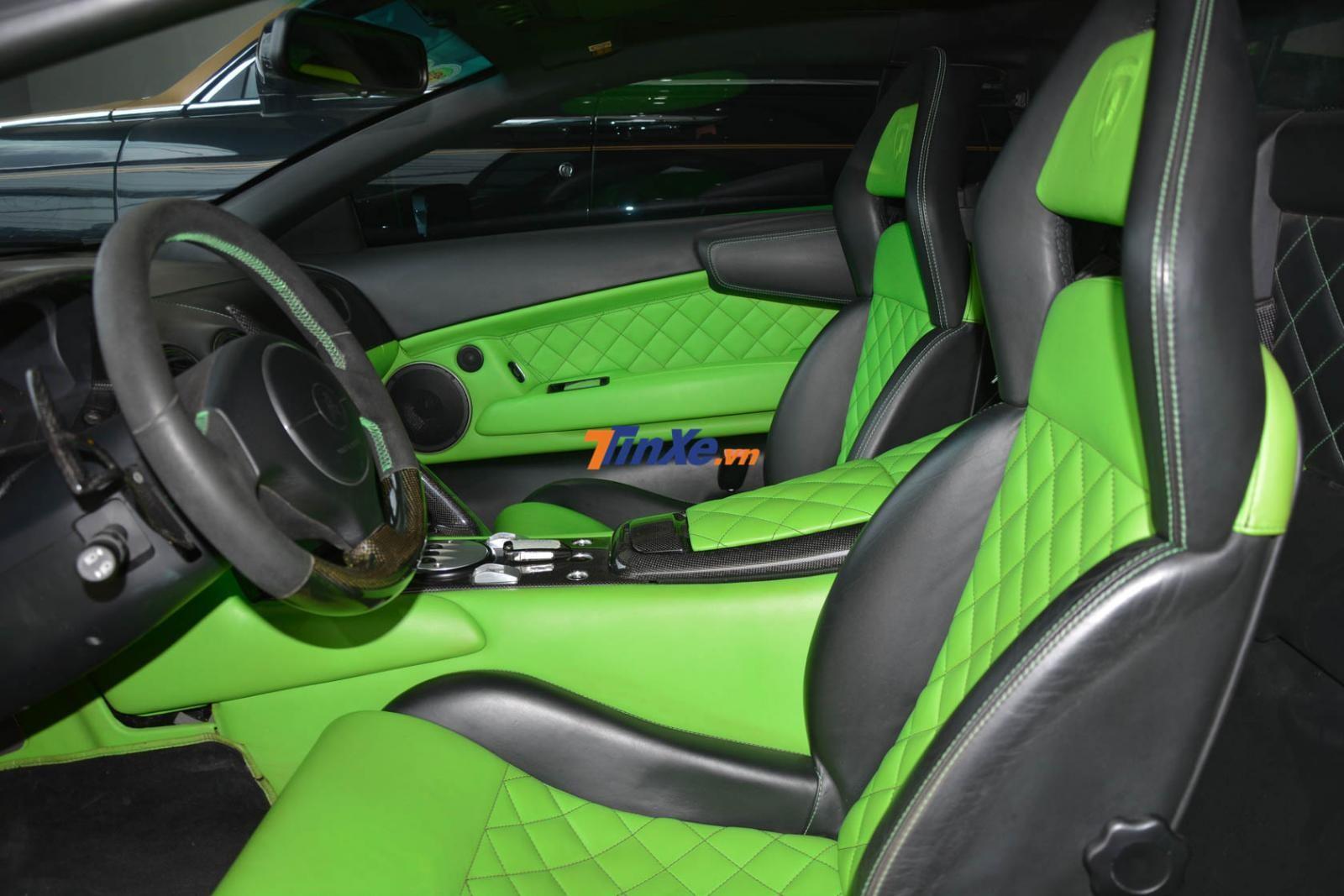 Nội thất siêu xe Lamborghini Murcielago LP640 màu xanh Verde Ithaca mới đổi sang màu đen