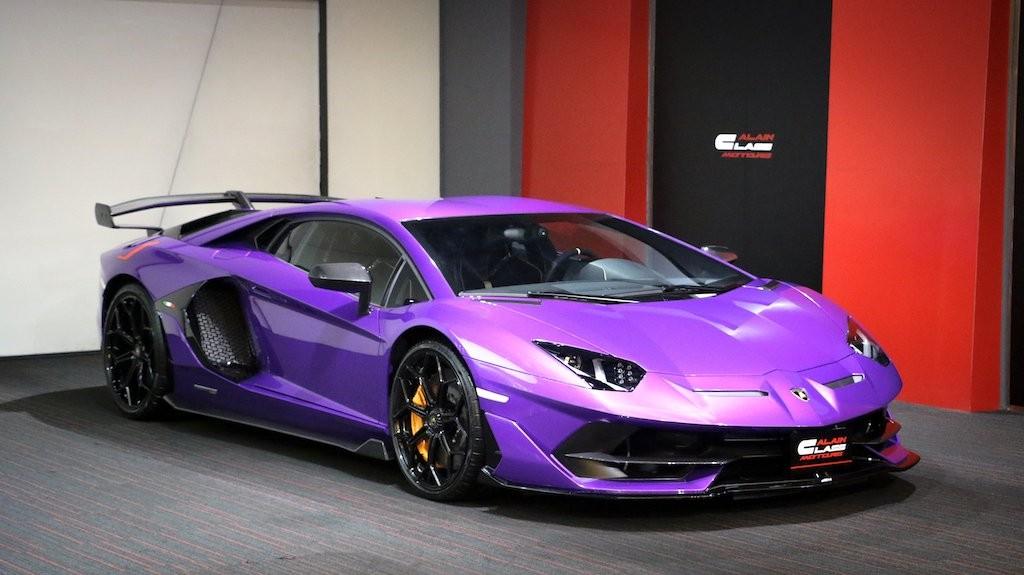 Rất hiếm chiếc siêu xe Lamborghini Aventador SVJ nào có màu sơn tím bóng