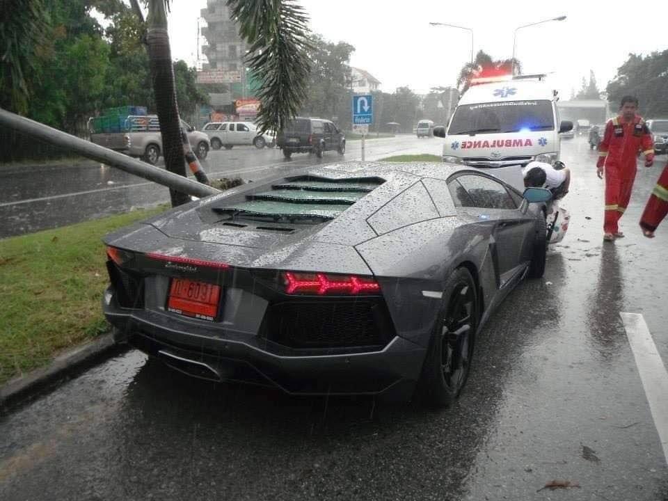 Lamborghini Aventador LP700-4 có giá 25 tỷ đồng tại Thái Lan